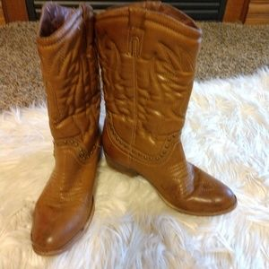 Girls Western boots size 6M